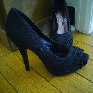 Lulu Townsend black sparkle spike high heels 7M